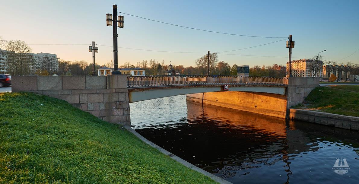 Molodyozhniy Bridge
