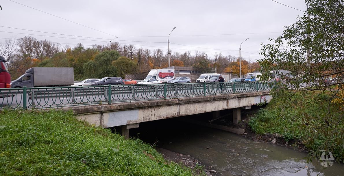 Almazny Bridge
