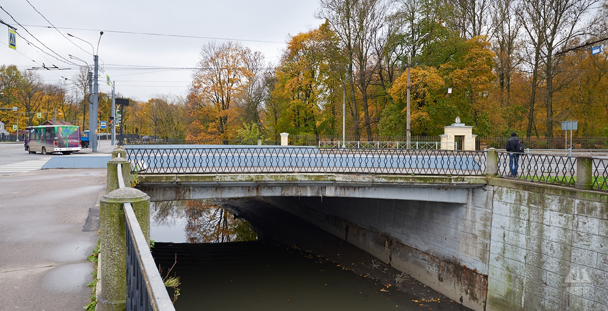 Staroobryadchesky Bridge