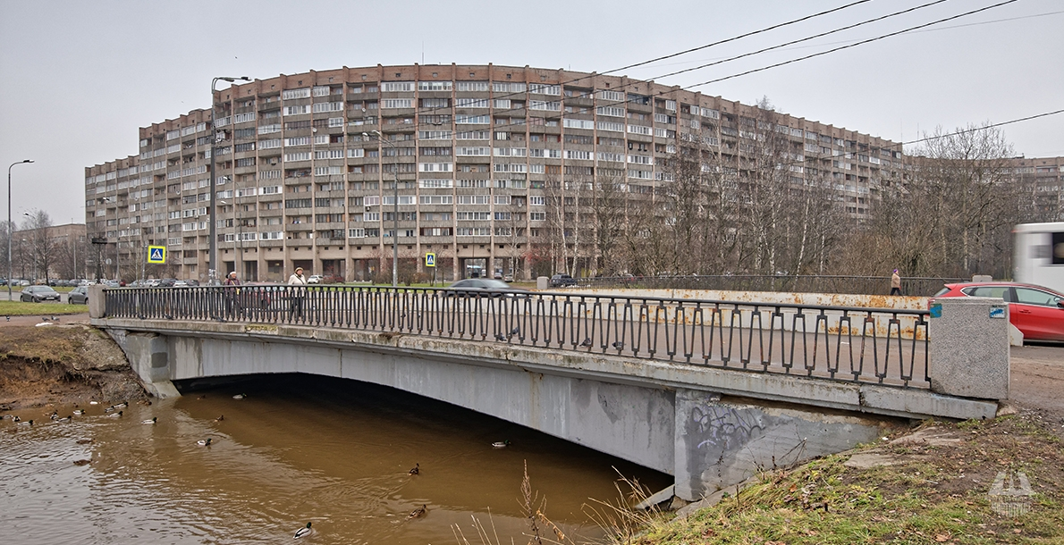Tovarischesky Bridge