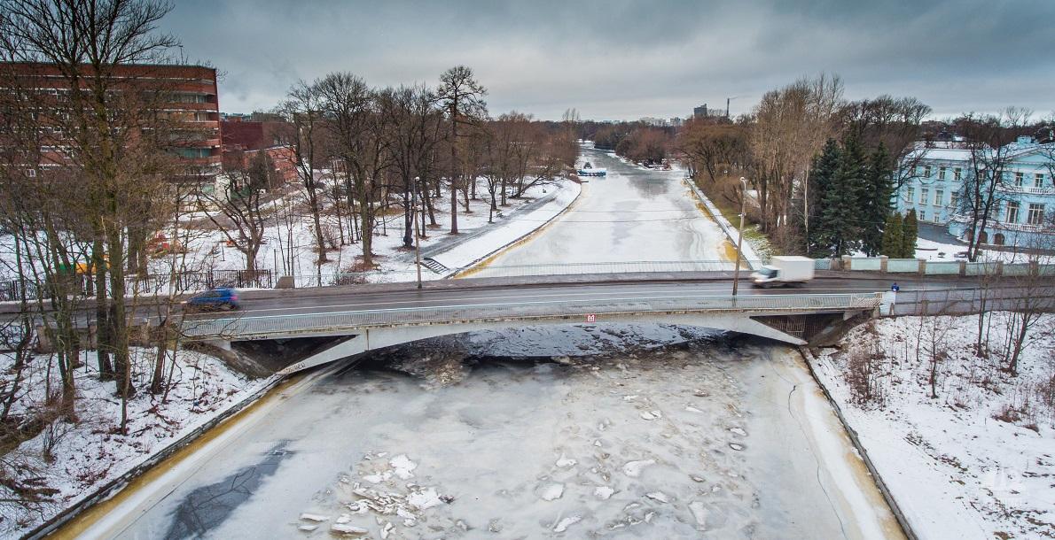 Malo-Krestovsky Bridge