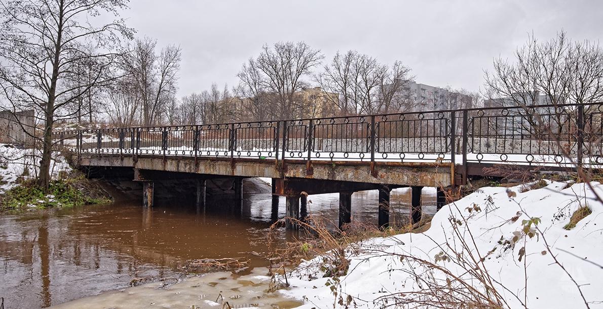 Poselkovy Bridge
