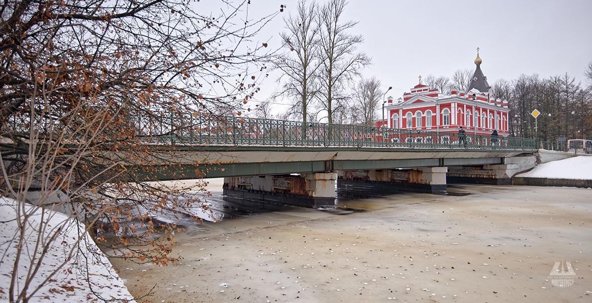 Voznesensky Bridge