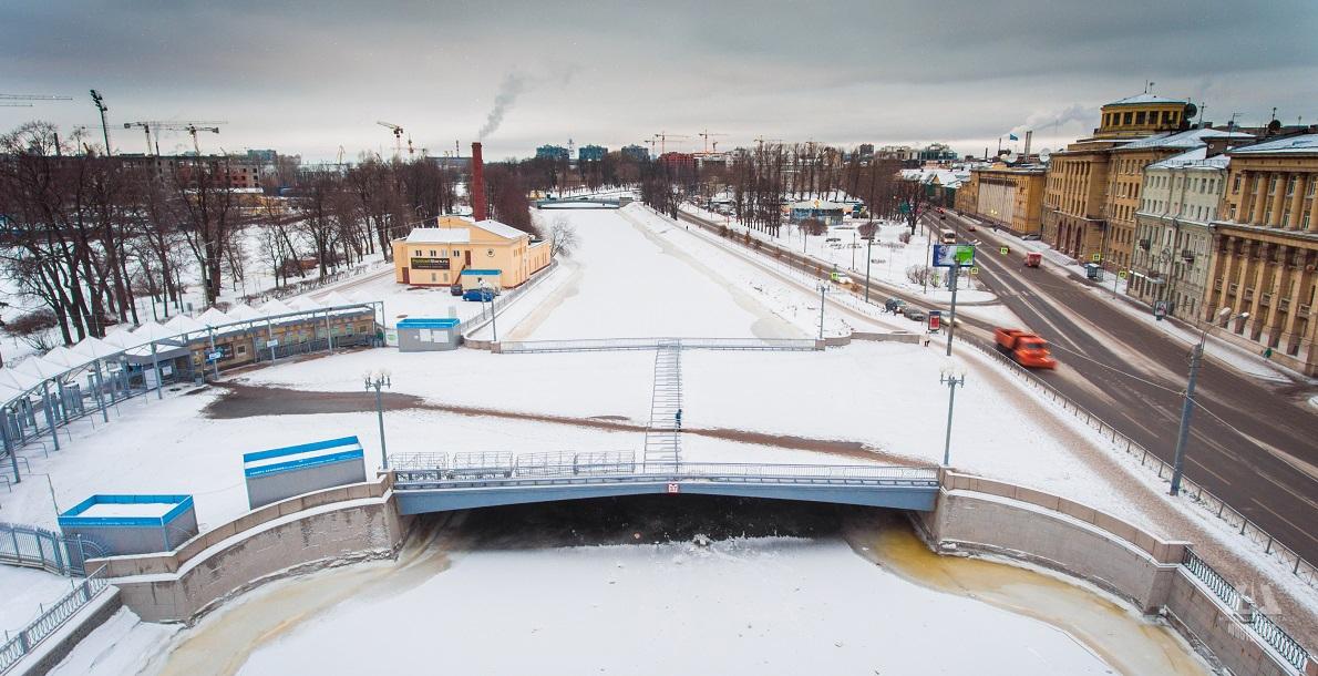 Zhdanovsky Bridge