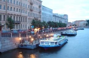 "Quay ""Anichkov Bridge"""